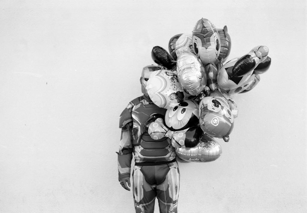 Konstancja Nowina Konopka ,, Iron Man z balonami na tle lewej ściany nośnej Spatifu''